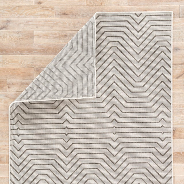 Jaipur Living Prima Indoor/ Outdoor Geometric Area Rug - 5′ × 7′6″ For Sale - Image 4 of 6