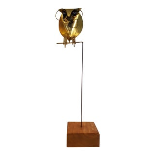 1970's Brass Owl Sculpture on Wooden Base For Sale