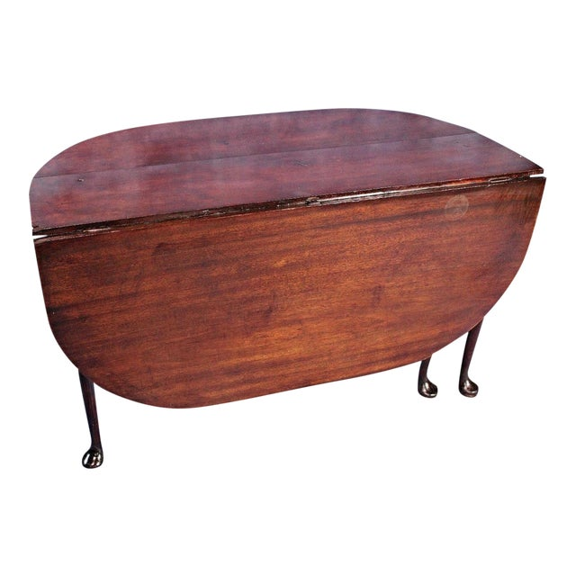 18th Century Queen Anne Mahogany Drop Leaf Gate Leg Table For Sale