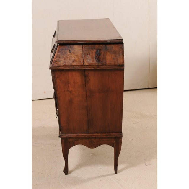 Late 18th Century Italian Walnut Wood Commode For Sale - Image 10 of 12