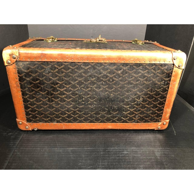 French Provincial Goyard Jewelry or Valuables Trunk Train Case For Sale - Image 3 of 13
