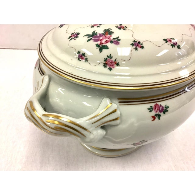 Mottahedeh Porcelain Soup Tureen With Underplate For Sale In New York - Image 6 of 8