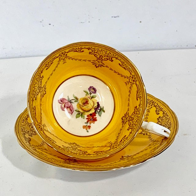 Boho Chic Aynsley England Yellow Gold Gilt With Yellow Rose Floral Bouquet Cup & Saucer For Sale - Image 3 of 10