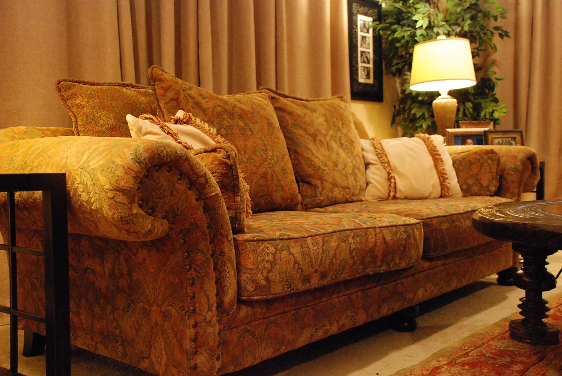 Bernhardt New Vintages Collection Floral Upholstered Sofa   Image 4 Of 5
