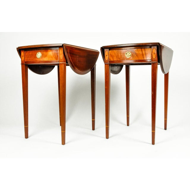 Traditional Pair of Cherry and Satinwood Pembroke Drop Leaf Side Tables For Sale - Image 3 of 10