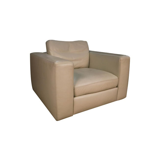 Mid-Century Modern Mid Century White Leather Swivel Armchair for Design Within Reach For Sale - Image 3 of 11