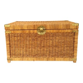 20th Century Chinoiserie Style Wicker & Brass Trunk Chest For Sale