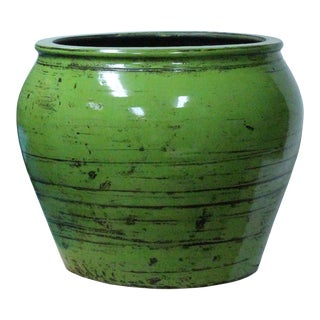Chinese Ceramic Distressed Lime Green Glazed Round Planter Pot For Sale