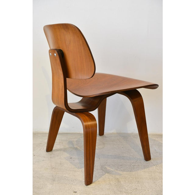 Herman Miller 1970s Mid-Century Moderm Eames DCW Molded Plywood Chair For Sale - Image 4 of 9
