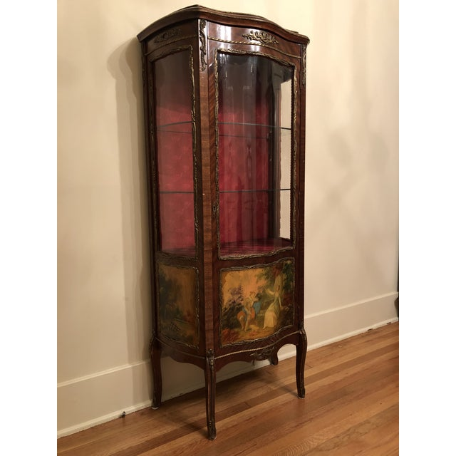 Red 1910s French King Louis Vernis Martin Curio Cabinet Vitrine Display Case For Sale - Image 8 of 9