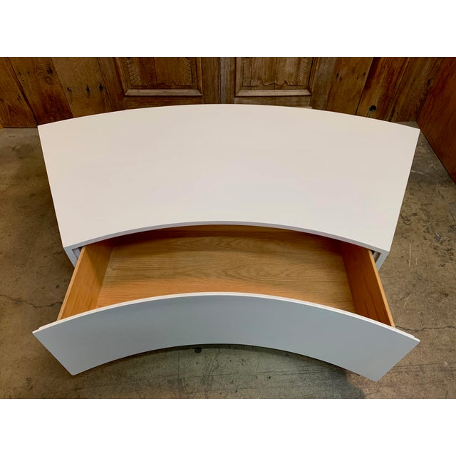 Wood Mid-Century Modern Milo Baughman Floating Curved Sofa End Table For Sale - Image 7 of 10