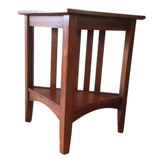 Late 20th Century Ethan Allen Solid Cherry Triangle Corner Side Table For Sale