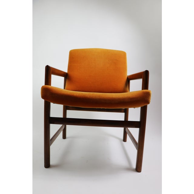 Beautiful and rare set of 6 dining chairs, designed by Milo Baughman. Six armchairs each with upholstered backs and seats...