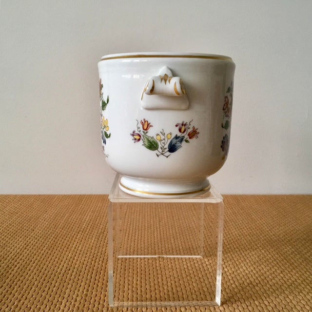 1980s Hollywood Regency Richard Ginori Ischia Pattern Floral Cachepot For Sale - Image 9 of 11
