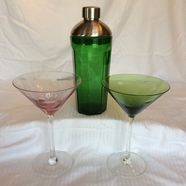 Green Glass Martini Shaker by Tanqueray With 2 Etched Bubble Martini Glasses- Group of 3 For Sale - Image 13 of 13