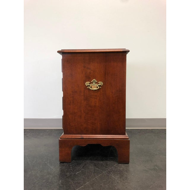 Late 20th Century Chippendale Style Cherry Chairside Chest / Nightstand by Hooker For Sale - Image 5 of 11