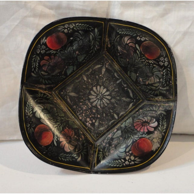 Early American 19thc Original Decorated Toleware Apple Tray From Pennsylvania For Sale - Image 3 of 6