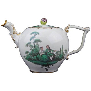 18th Century Renaissance Meissen Porcelain Green Watteau Tea Pot For Sale