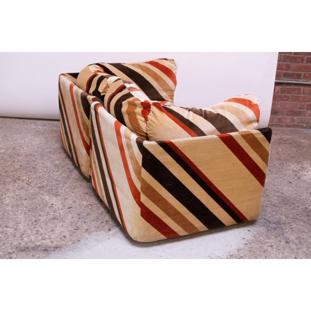 1970s American Modern Five-Piece Chevron Sectional Sofa For Sale - Image 4 of 13