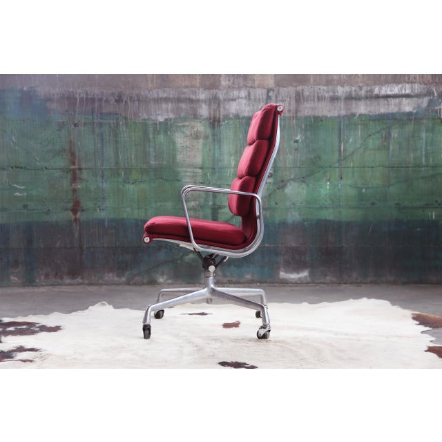Maroon 1980s Eames Herman Miller Aluminum Soft Pad Reclining Executive Office Chair For Sale - Image 8 of 13