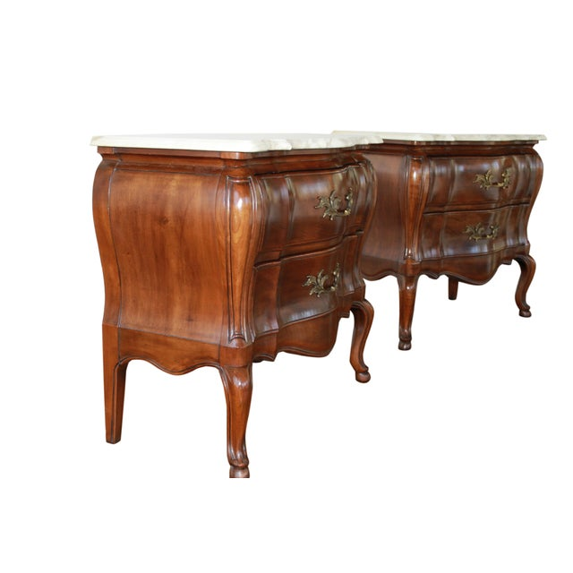 French 1970s French John Widdicomb Walnut Bombe Chests - a Pair For Sale - Image 3 of 10