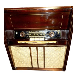 "Grundig Majestic Large Console Vintage ""3d"" Radio and Phonograph ""Musical Instrument"" Version For Sale"