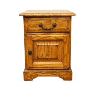 Late 20th Century Vintage Winners Only Oak Nightstand For Sale