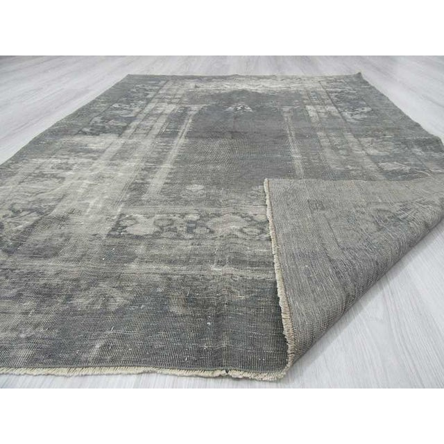 Vintage Artificial Silk Gray Overdyed Turkish Rug - 4′1″ × 5′9″ For Sale In Los Angeles - Image 6 of 6