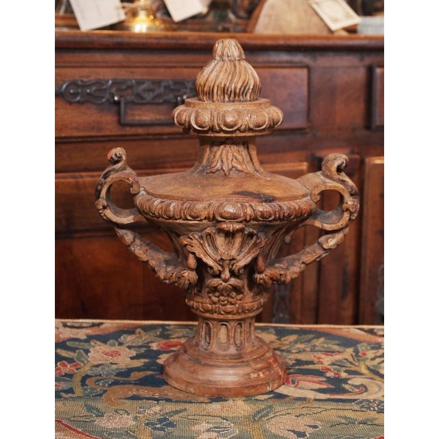 Italian 18th Century Italian Carved Decorative Wood Urns - Pair For Sale - Image 3 of 8