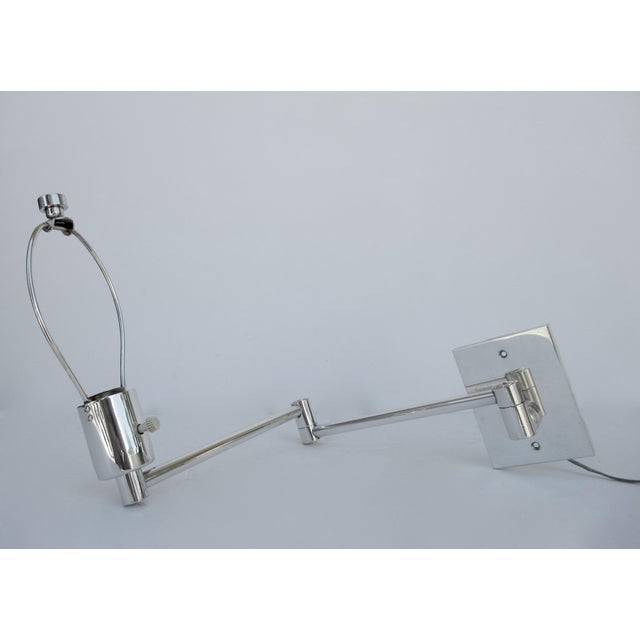 Hollywood Regency Vintage C.1970's Georg Hanson for Hanson Lighting Co. Chrome-Plated Swing-Arm Wall Sconce- Single For Sale - Image 3 of 13