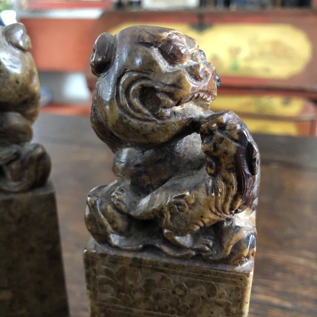 19th Century Hand Carved Brown Shoushan Soapstone Chinese Chop Seals - a Pair For Sale In Minneapolis - Image 6 of 13