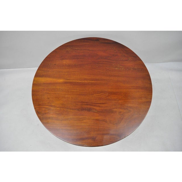20th Century Queen Anne Style Tripod Mahogany Tilt Top Occasional Table For Sale In Philadelphia - Image 6 of 11