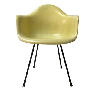 Vintage Eames 1st Generation Armchair For Sale