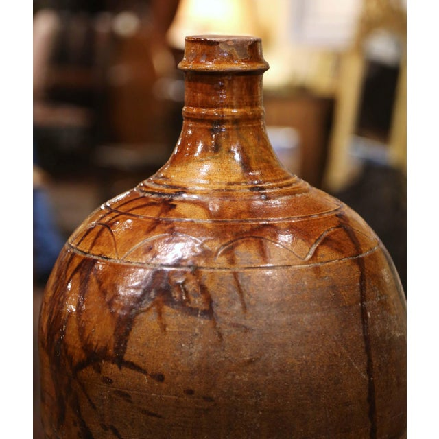 Spanish 19th Century Spanish Glazed and Painted Terracotta Wine Jar For Sale - Image 3 of 8