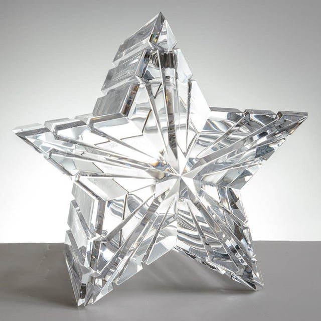 Mid-Century Modern Lucite/Acrylic Star Shape Ice Bucket - Image 9 of 11