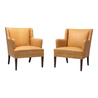 Scandinavian Modern Bergere Chairs in Camel Leather For Sale