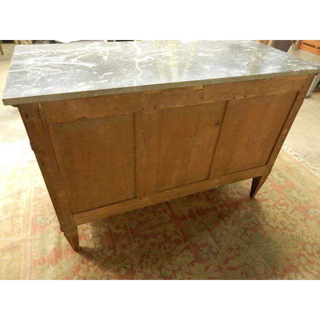 Early 19th Century Biedermeier Walnut Commode For Sale In New Orleans - Image 6 of 13