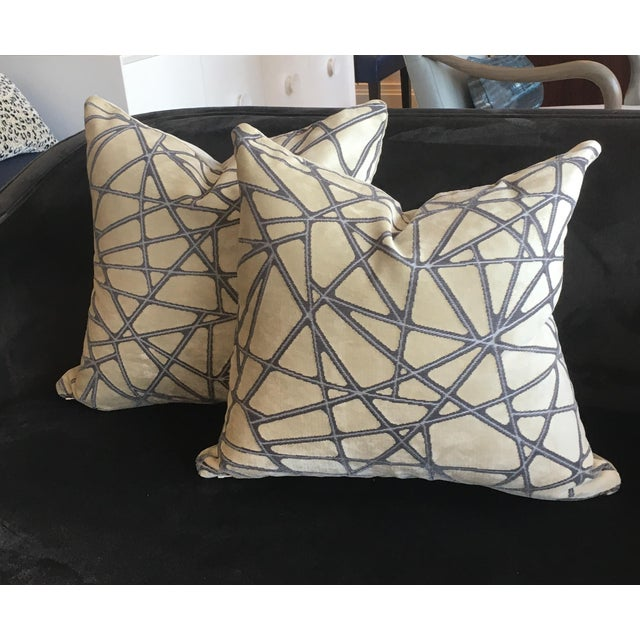 2010s Holly Hunt Tangled Silver Streak Pillows W/ Mushroom Velvet Backing - a Pair For Sale - Image 5 of 5