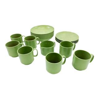 Mid-Century Modern Oneida Retro Green Melmac Dining Set - 21 Pieces For Sale