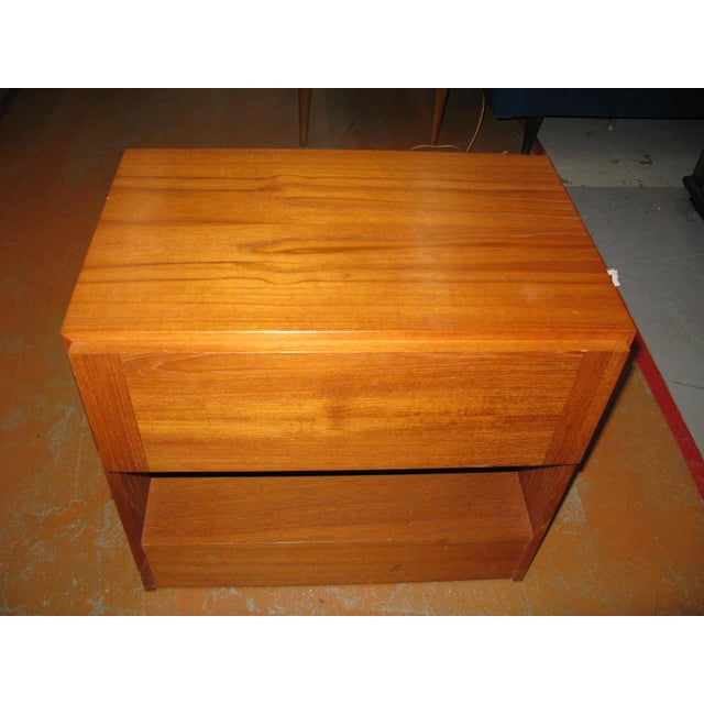 Vinde Mobelfabrik Mid-Century Danish Modern Teak Vinde Mobelfabrik 1-Drawer Nightstand For Sale - Image 4 of 10