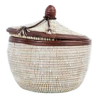 Artisan Made Marmite Lidded Basket For Sale