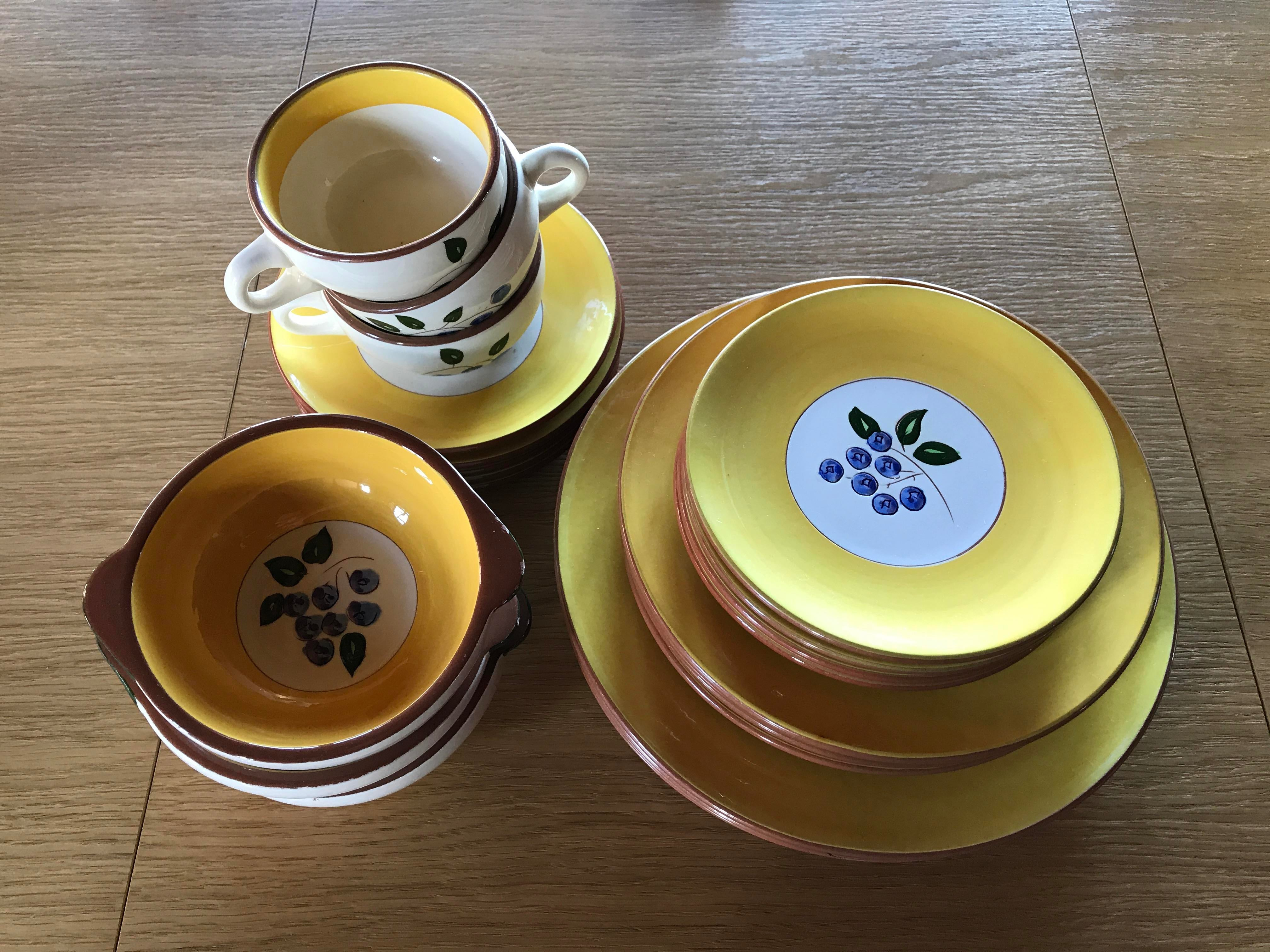 Stangl Pottery Blueberry Motif Yellow Dinnerware - Set of 22 - Image 2 of 10  sc 1 st  Chairish & Stangl Pottery Blueberry Motif Yellow Dinnerware - Set of 22 ...