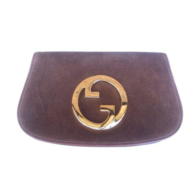 1970s Gucci Italy Chocolate Brown Suede Blondie Clutch Purse For Sale - Image 6 of 11