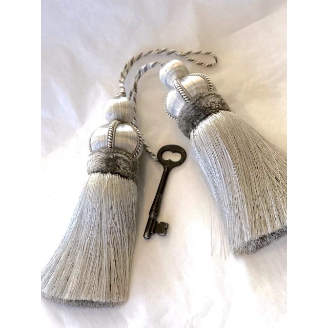 """Pair of Silver Key Tassels With Cut Ruche - 5.75"""" For Sale - Image 4 of 11"""