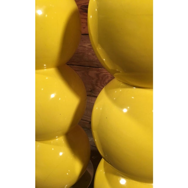 Abstract Mid-Century Modern Yellow Enamel & Chrome Stacked Ball Table Lamps - a Pair For Sale - Image 3 of 10