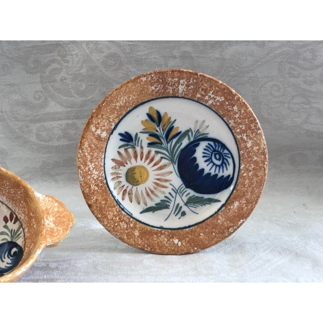 French Henriot Quimper French Pottery Bowl & Plate Set For Sale - Image 3 of 13