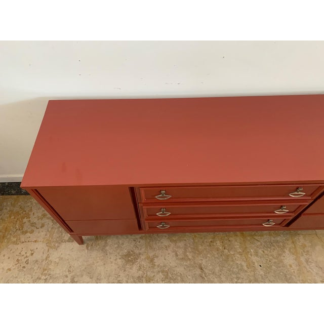 Mid-Century Modern Dixie Mid-Century Brick Red 9 Drawer Dresser For Sale - Image 3 of 11