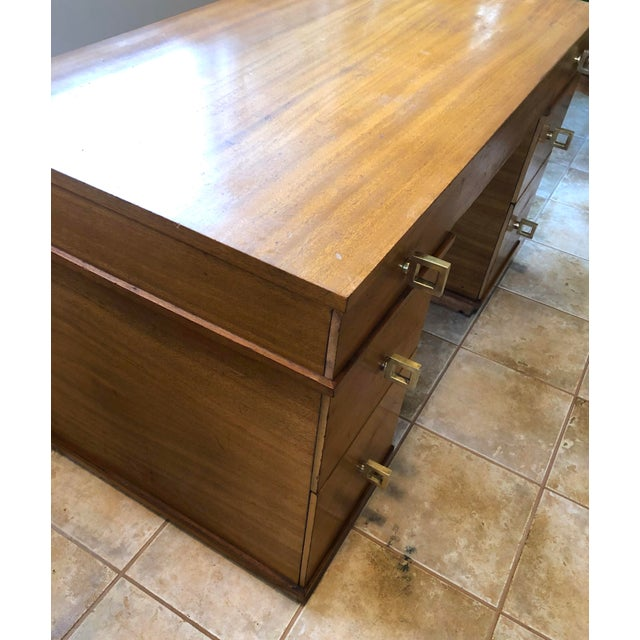"""Wood Mid Century Blonde Wood Double Pedestal Desk 1.75"""" Square Brass Pulls For Sale - Image 7 of 11"""
