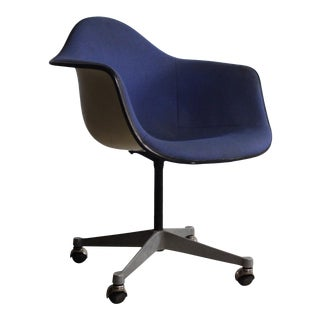 Charles Eames Fiberglass and Original Fabric Shell Chair on Casters for Herman Miller, USA For Sale