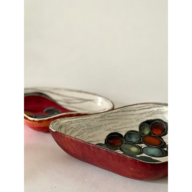 very lovely modernist fantoni inspired ceramic hand-painted dishes set of 2, made in italy the bigger one is ~ 7x4 inches...